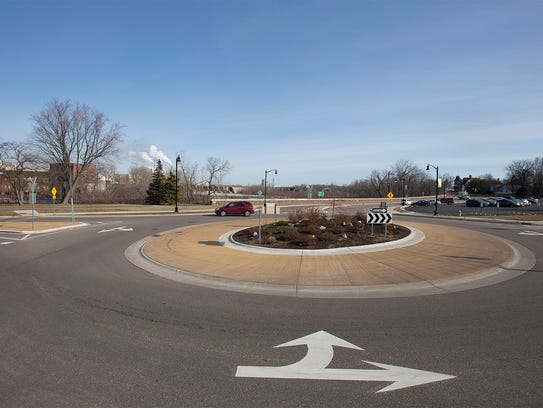 The roundabout at the intersection of Baker Street