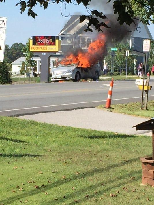 636102459387054511-thumbnail-carfirepic.jpg