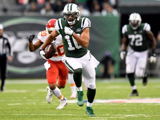 New York Jets wide receiver Jermaine Kearse (10) rushing in the fourth quarter. The New York Jets defeat the Kansas City Chiefs 38-31 in East Rutherford, NJ on Sunday, December 3, 2017.
