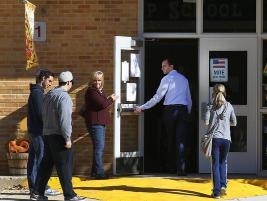 636142107549795254-3-ASB-1109-Middletown-polling-shots.jpg