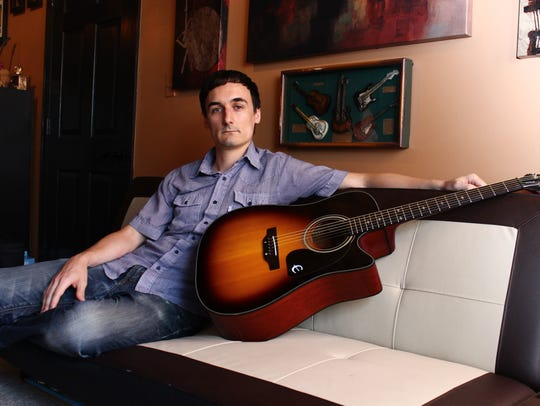 Wisconsin Rapids native Eric McMiller will perform