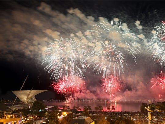 The 2016 US Bank fireworks in Milwaukee.