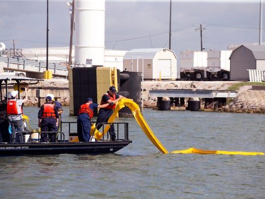 636657860402386896-735688002-Coast-Guard-Disaster-Training05.JPG