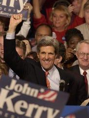 Sen. John Kerry, D-Mass. acknowledges the crowd at