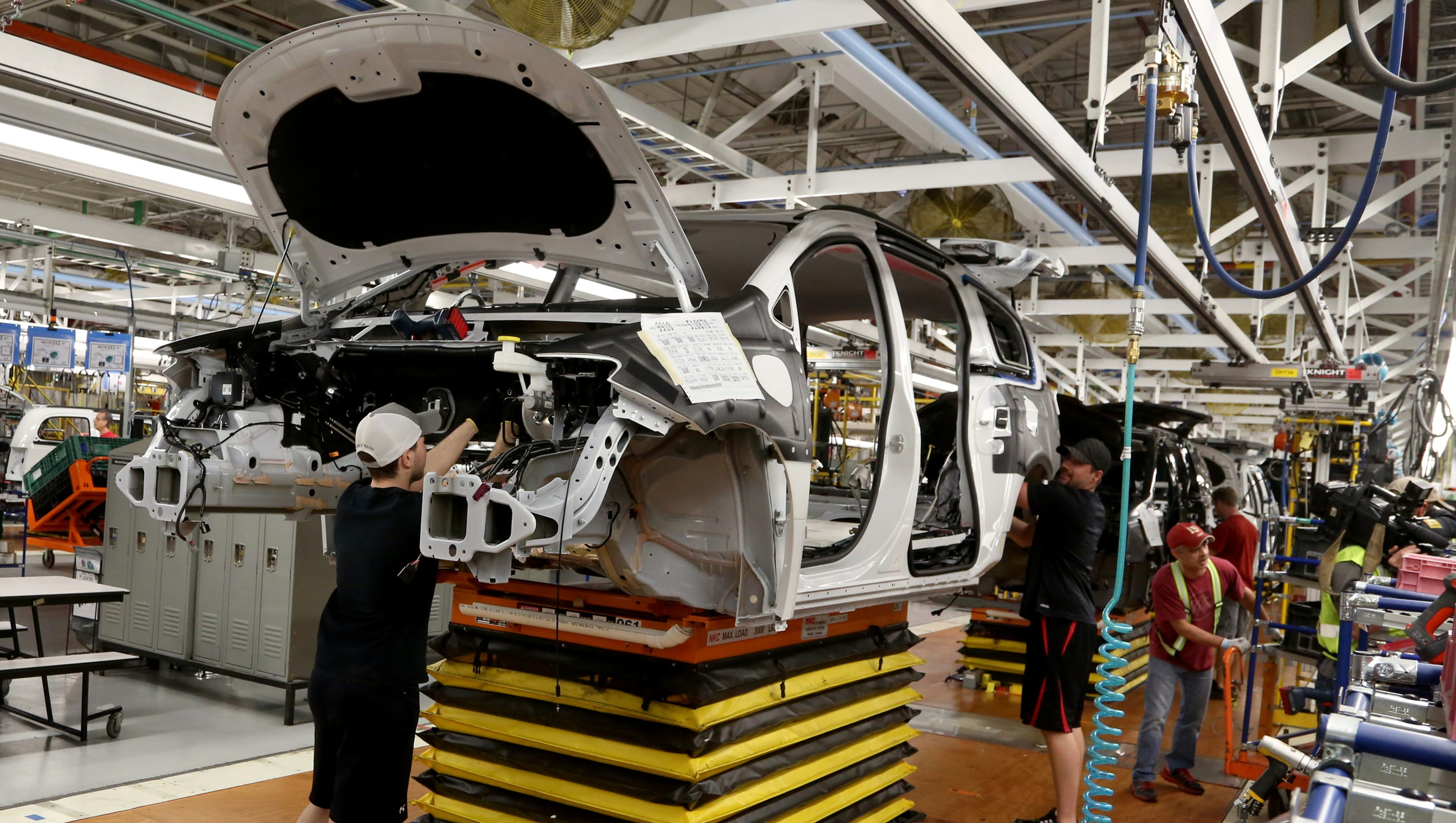 fiat chrysler to outsource 295 jobs in windsor
