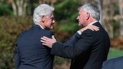 PHOTOS: Bill Clinton visits Charlotte to pay respects to Billy Graham