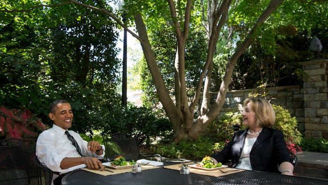 WASHINGTON, DC - JULY 29: In this handout provided by the White House, U.S. President Barack Obama has lunch with former Secretary of State Hillary Rodham Clinton on the patio outside the Oval Office, July 29, 2013 in Washington, D.C. (Photo by Chuck Kennedy/White House via Getty Images)