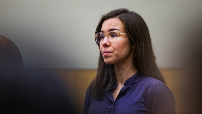 Jodi Arias looks toward the jury entering the courtroom during the sentencing phase retrial, Tuesday, March 3, 2015 in Maricopa County Superior Court.