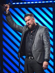 Zach Williams won New Artist of the Year at the 2017