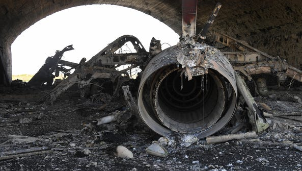 3067810 04/07/2017 The body of a plane burned as a