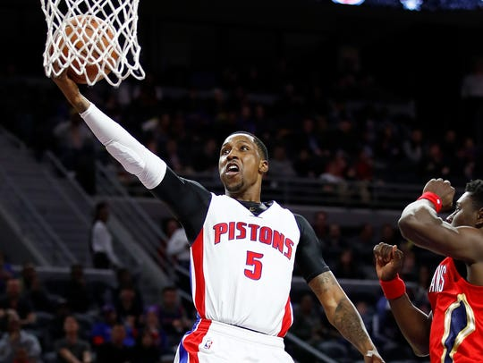 Kentavious Caldwell-Pope gets to the basket against