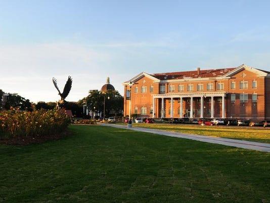 -usm campus03.jpg_20131107.jpg