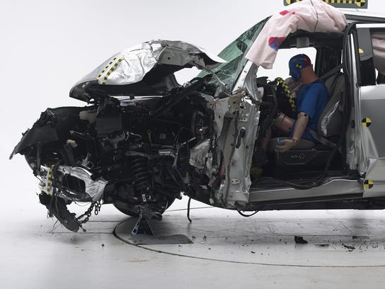 what happens when a new aluminum ford f 150 crashes into an older