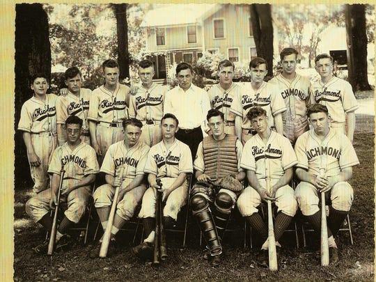 12. 1943 RHS baseball team