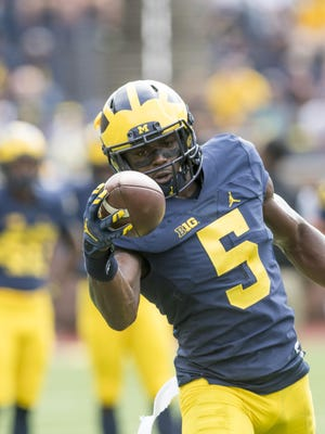 The national hype suggests that Michigan phenom Jabrill Peppers might be able to defeat Michigan State single-handedly.