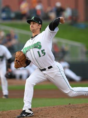 Dayton Dragons left-hander Scott Moss delivers a pitch.
