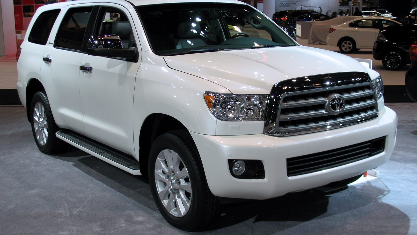2015 toyota sequoia has full size capabilities. Black Bedroom Furniture Sets. Home Design Ideas