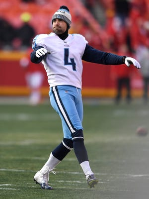 Titans place kicker Ryan Succop (4) watcjes a kick during warmups before the game at Arrowhead Stadium Saturday, Jan. 6, 2018 in Kansas City , Mo.