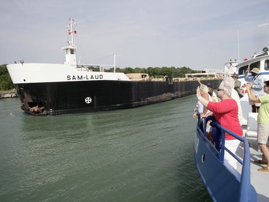The Keweenaw Star is passing the Sam Laud in the Rock