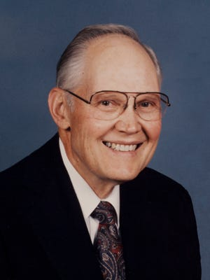 Earl D. Hogan, aged 92, of Seattle, Washington, died on April 11, 2015, of natural causes.