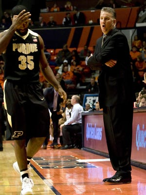 Jan 10, 2016; Champaign, IL, USA; Purdue Boilermakers head coach Matt Painter expresses displeasure with guard Rapheal Davis (35) during the second half at State Farm Center. Illinois beat Purdue 84 to 70. Mandatory Credit: Mike Granse-USA TODAY Sports