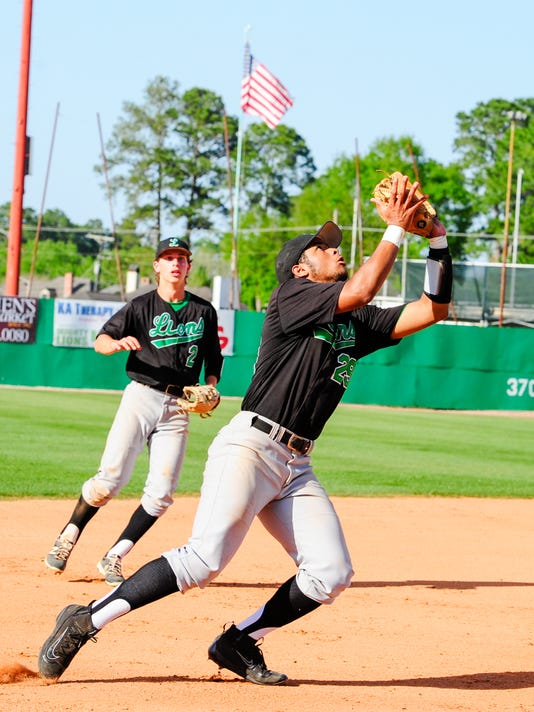 635944430214910733-TDA.Lafayette.Baseball.vs.Barbe.03.24-0296.jpg