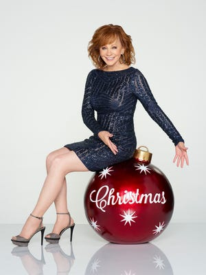 """CMA COUNTRY CHRISTMAS - Reba McEntire hosts """"CMA Country Christmas,""""Monday, Nov. 27 at 7 p.m. central time on the ABC Television Network."""