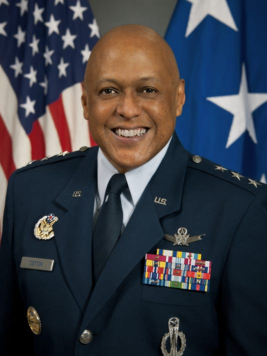 Official portrait of Lt Gen Anthony Cotton