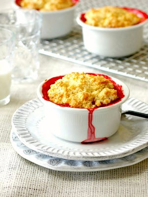 Strawberry crisp with orange and cardamom