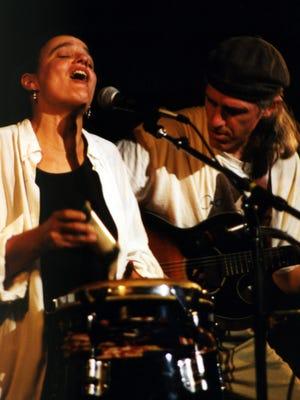 Karen Savoca and Pete Heitzman's brand of folk is bluesy, funky, soulful.