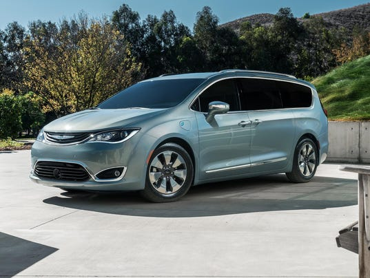 2017 chrysler pacifica to get combined 22 mpg. Black Bedroom Furniture Sets. Home Design Ideas
