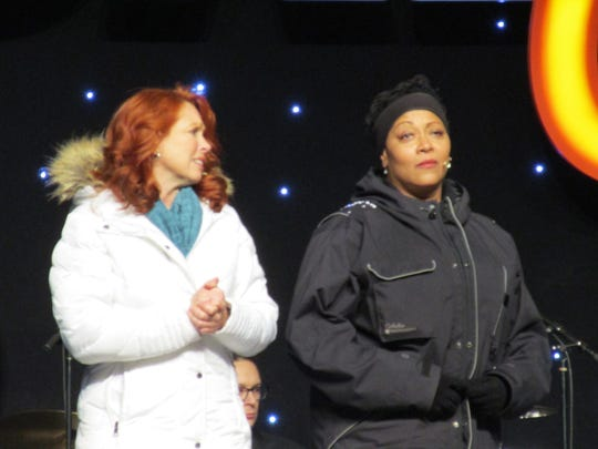 Carolee Carmello (left) and Fredi Walker-Browne performing in the BroadwayCon 2017 opening ceremony.