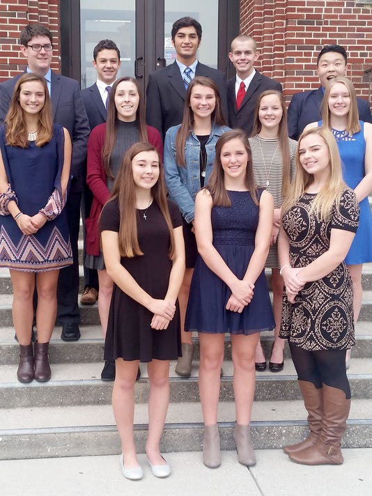 HES-SUB-102016-DC-Homecoming-Court.jpg
