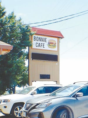 The sign out front of Bonnie Cafe.