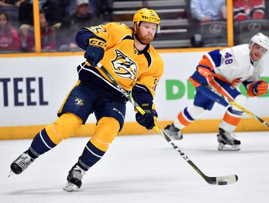 USP NHL: NEW YORK ISLANDERS AT NASHVILLE PREDATORS S HKN NSH NYI USA TN