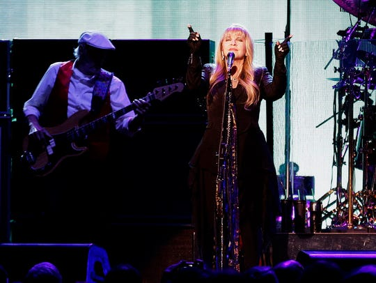 Fleetwood Mac is at the Fiserv Forum Oct. 28, without Lindsey Buckingham. He's been replaced by Mike Campbell and Neil Finn.