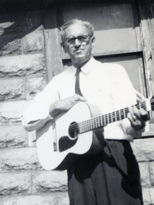 Musician Lesley Riddle in the 1960s.