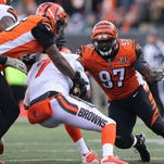 Bengals' All-Pro Geno Atkins injured in practice; Mike Nugent returns with Bears