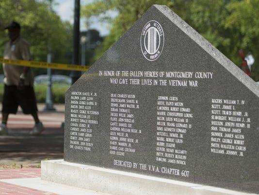 Vietnam Monument 01