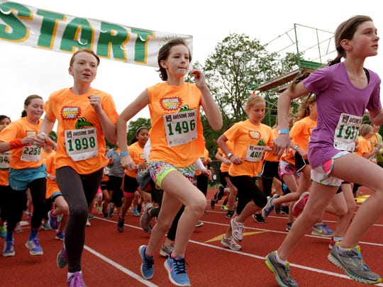 Middle- and high-school girls start racing Saturday morning in the 33rd annual Awesome 3000.