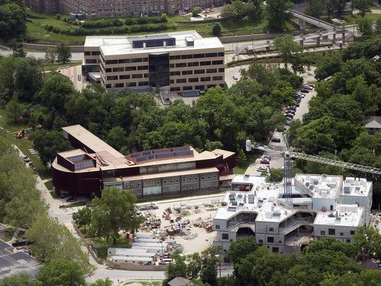 IOW 0615 aerial art building