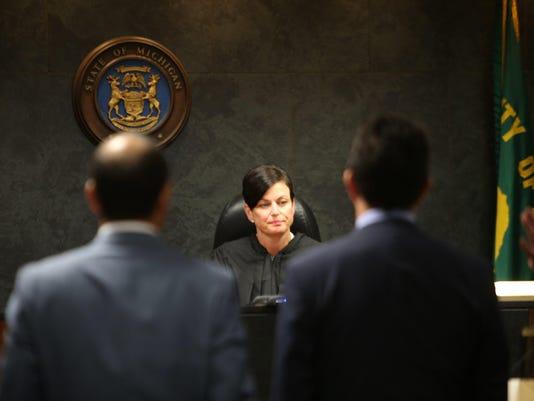 Michigan Judge Rules Kids Dont Have >> Mich Supreme Court No Suspension For Judge Lisa Gorcyca
