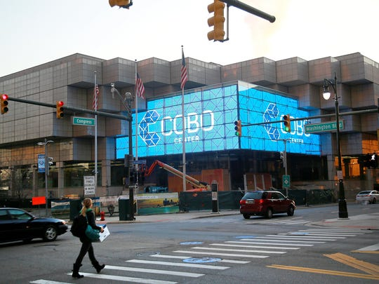 The new entrance to the Cobo Center at Congress and Washington features two large video displays with a viewable area of 1,382 square feet in downtown Detroit.