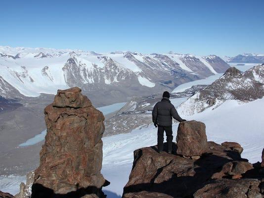 DFP antarctica docum.JPG