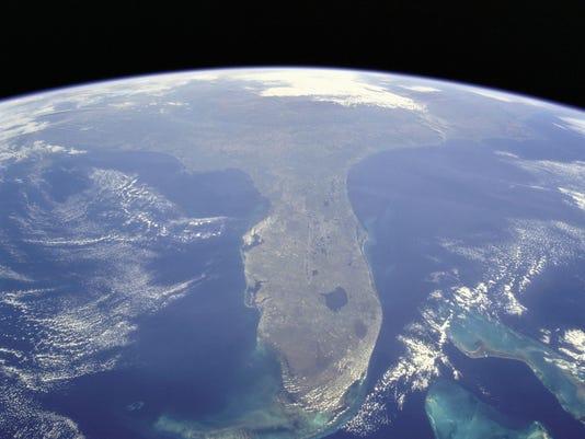 635995997374374421-FloridaSeenFromSpace.jpg