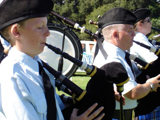 Scottish Festival PIPERS (3)xxx.jpg