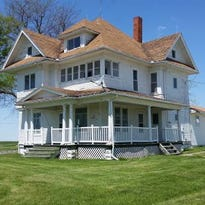 Need a last-minute holiday gift? How about this free Iowa farmhouse