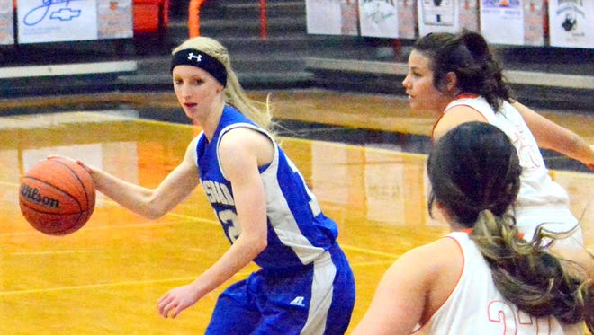 Carlsbad freshman guard Carsyn Boswell had a game-high 22 points Thursday at Manzano.
