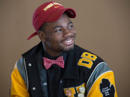 Detroit King's Jaeveyon Morton, who is signing with
