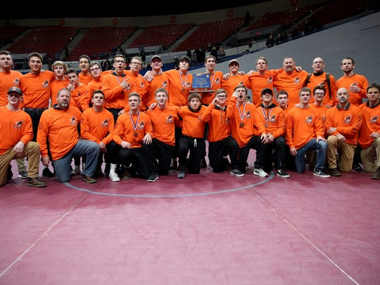 Dallas earns first place in the OSAA Class 5A Wrestling